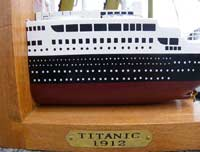 Titanic Bookends